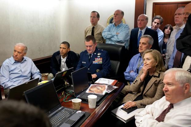 obama_and_biden_await_updates_on_bin_laden